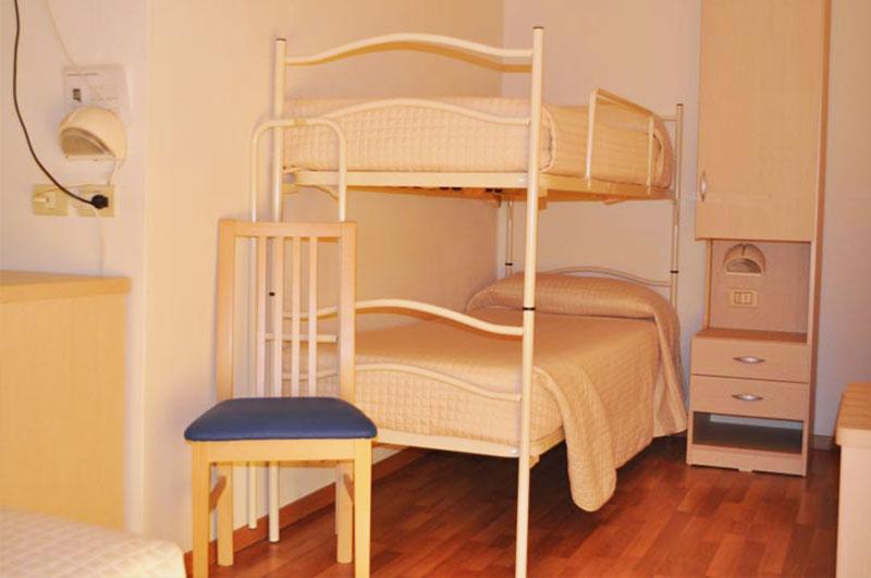 hotel-stresa-camera-con-letto-a-castello - Hotel Stresa Rimini