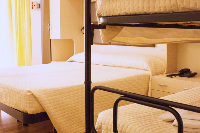 Letto A Castello A Rimini.Hotel Stresa Letto A Castello Hotel Stresa Rimini